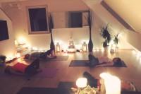 Semi-private Yin Yoga class. Asanga Yoga. Wien